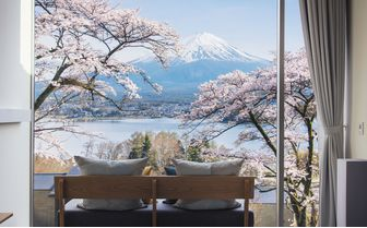 HOSHINOYA_Fuji_cherry_blossom