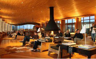 tierra_patagonia_bar_seating
