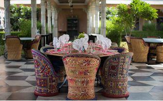 Bujera_dinner_table
