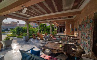 Bujera_outdoor_seating