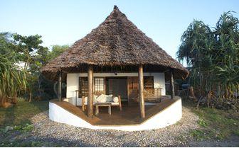 Matemwe_bedroom_exterior