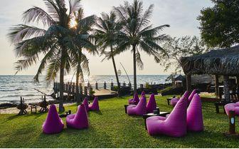 Ghe_Bar_Garden_Seats