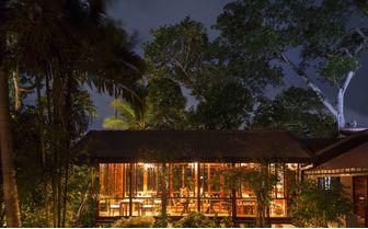 Dining_pavilion_at_night