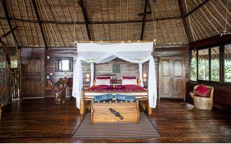 Lodge_Manafiafy_bedroom