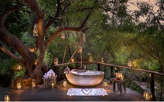 owners_house_outdoor_bath