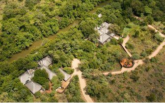 river_house_aerial_shot