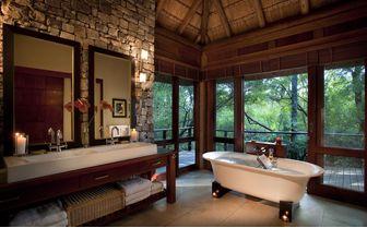 river_house_bathroom