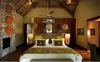 river_house_bedroom