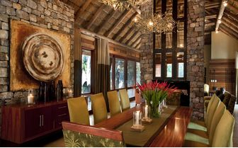 river_house_dining_room
