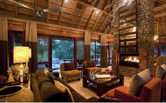 river_house_lounge