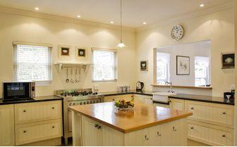 villa_kitchen