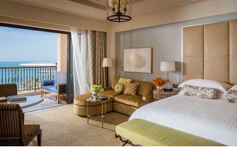 bedroom sea view