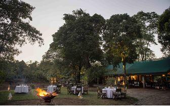 governors camp al fresco dining