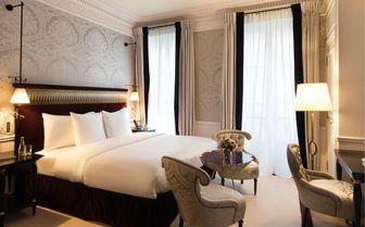 Luxury hotel room in Paris