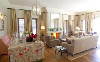 The sitting room at Kurland Villa hotel