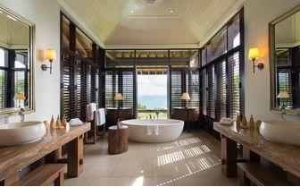 grand ocean villa bathroom