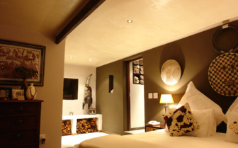 Bedroom at The Villa at Hog Hollow, luxury hotel in South Africa