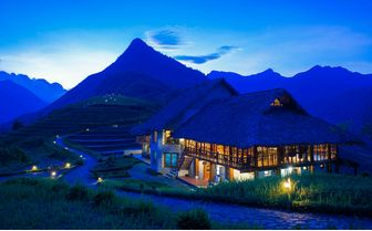 Topas Ecolodge night view