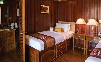 Mekong Pandaw twin bedroom