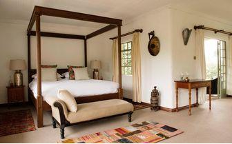 sabyinyo-silver-back-bedroom