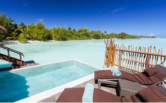 pool-overwater-villa