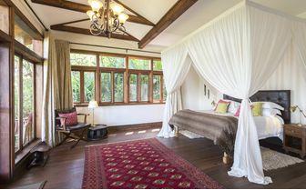 Bustani House bedroom