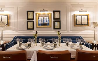 Sala river dining room