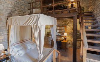 Studio Torre bedroom