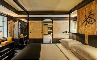 Skylight suite bedroom