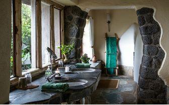 Banda bathroom
