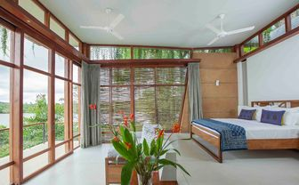 Guestroom at Tri