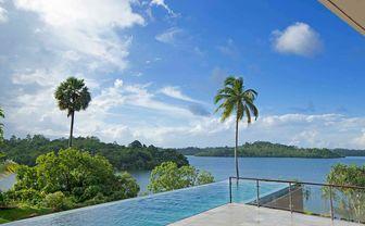 Pool overlooking lake Koggala