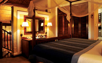 Victoria Falls Safari Lodge suite