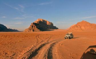 Jeep in Jordan desert