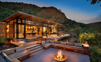 Mountain Lodge boma
