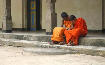 Sri Lanka monks