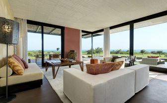 Villa Acacia living room