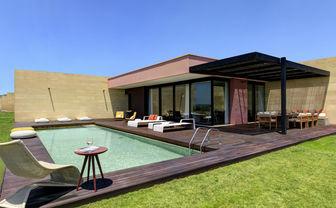 Villa Acacia exterior with pool