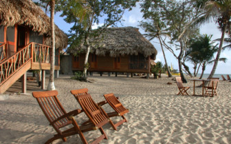 Pictures of the beach front accommodation at Turtle Inn