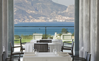 The restaurant with sea view at SHA Wellness