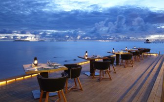 Ocean dining at Ananantara Kihavah, luxury hotel in the Maldives