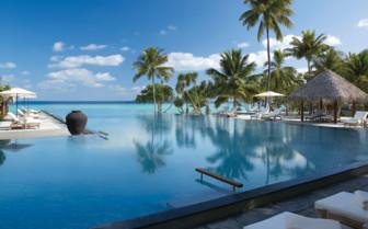 The pool at Four Seasons Landaa Giraavaru, luxury hotel in the Maldives