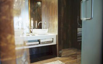 Bathroom at the Copper Suite