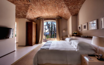 Luxury bedroom at Il Salviatino, luxury hotel in Italy