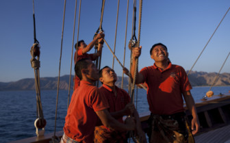 Picture of the Crew Aboard Si Datu Bua