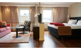 Suite at Elite Plaza hotel