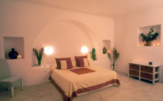 The bedroom at the Capofaro