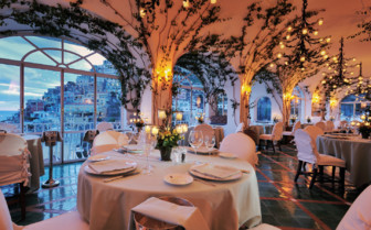 The restaurant at Le Sirenuse, luxury hotel in Italy