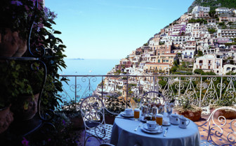 The terrace at Le Sirenuse, luxury hotel in Italy