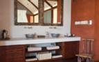 Luxury bathroom at Okahiringo River Camp